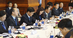 Minister Cho KyeungKyu meets with the Minister of Natural Resources and Environment of Vietnam