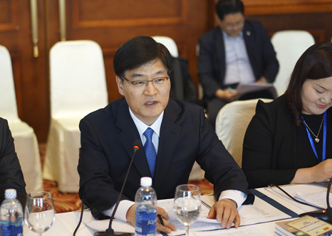 Minister Cho KyeungKyu meets with the Minister of Natural Resources and Environment of Vietnam(1)