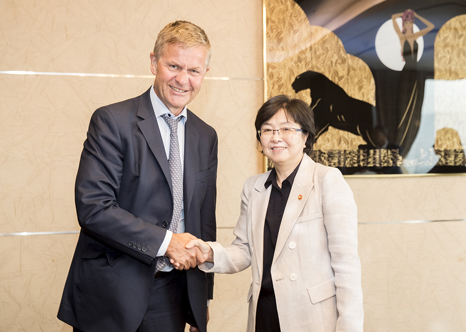 Minister Kim Eunkyung meets with UNEP Executive Director(2)