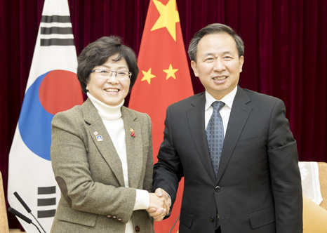 Minister meets with Chinese Environmental Protection Minister(1)